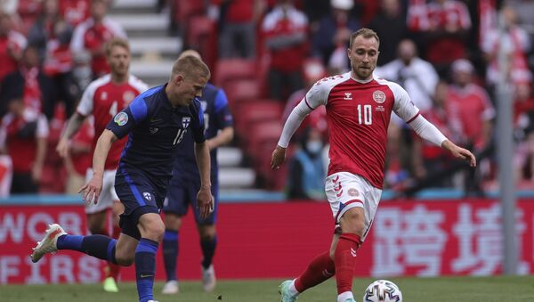 Christian Eriksen in action against Finland before he collapsed - Sputnik International