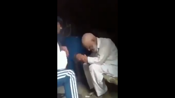 Elderly Muslim Man Beaten, Forced to Sing Hindu Chants, Has Beard Chopped Off in India - Sputnik International
