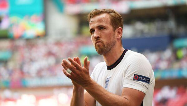 Soccer Football - Euro 2020 - Group D - England v Croatia - Wembley Stadium, London, Britain - June 13, 2021 England's Harry Kane applauds fans as he is substituted off - Sputnik International