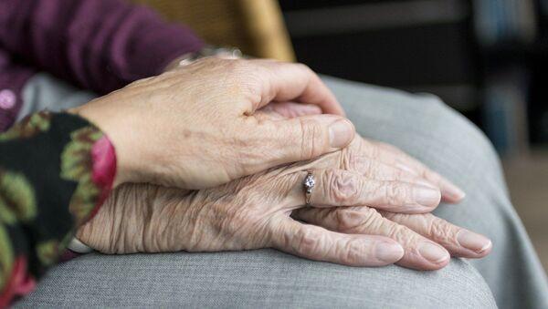 Elderly people - Sputnik International