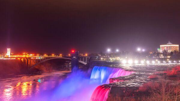 The view of Niagara Falls in the Niagara Park in New York, US - Sputnik International