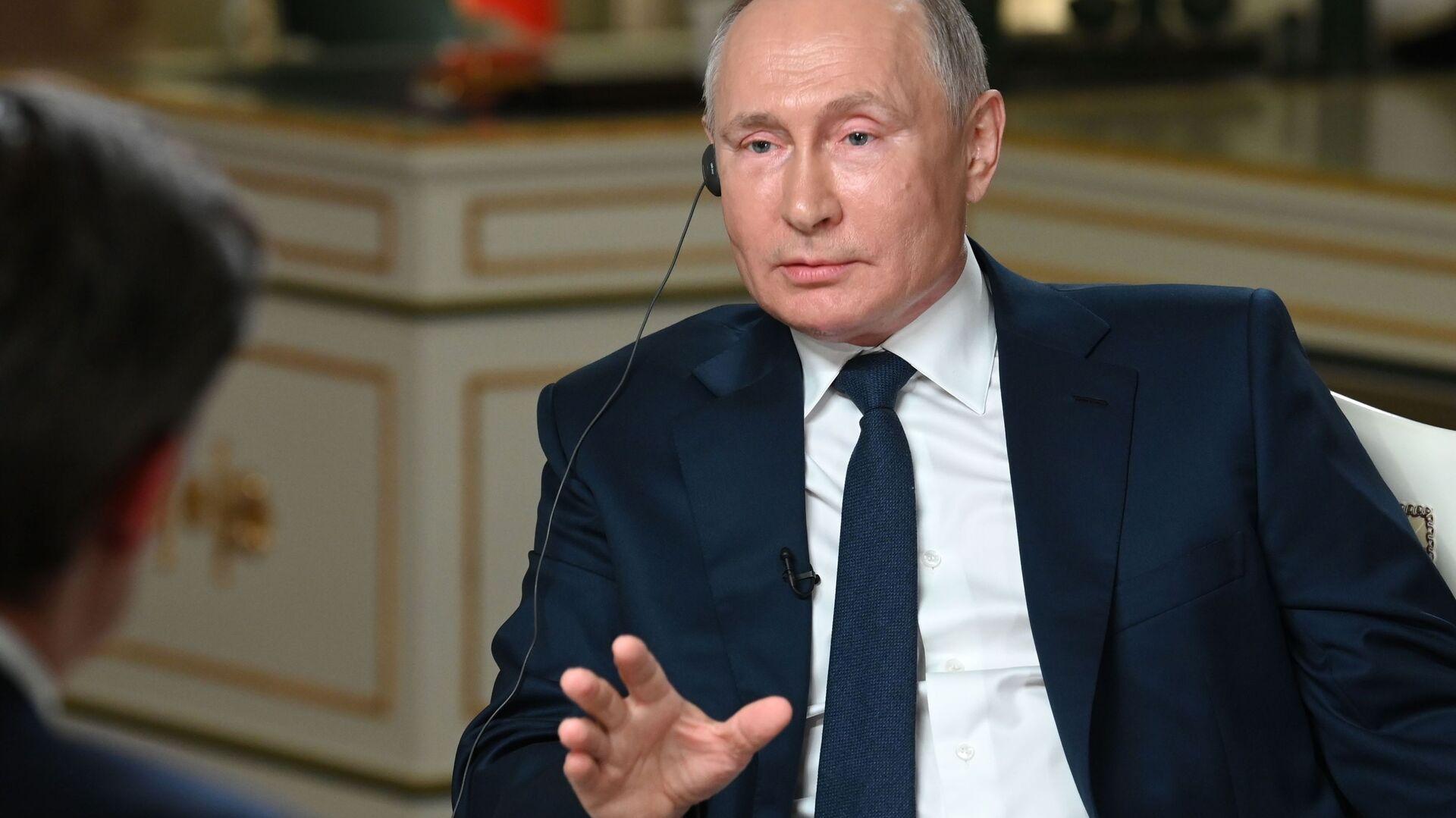 Russian President Vladimir Putin gives an interview to NBC at Moscow's Kremlin, Russia - Sputnik International, 1920, 15.09.2021