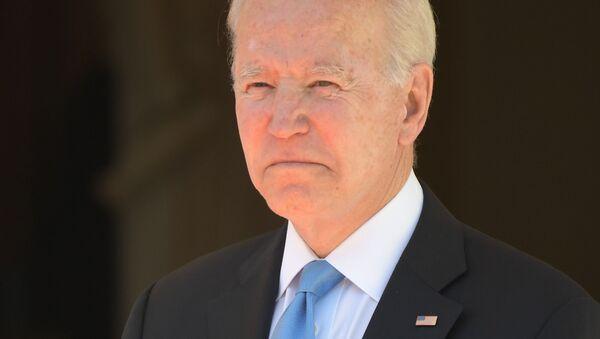 US President Joe Biden poses for a photo prior to the Russian-American talks at the Villa La Grange in Geneva, Switzerland - Sputnik International