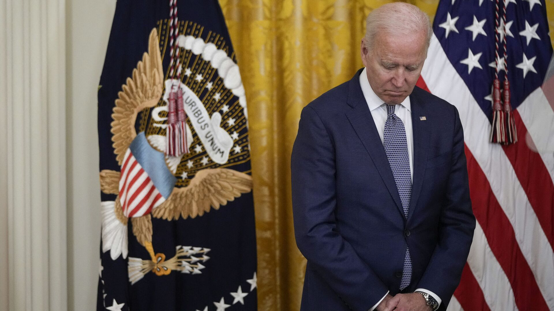 Poll: Biden's Approval Rating Down to 50%, Lowest to Date - Sputnik International, 1920, 24.07.2021