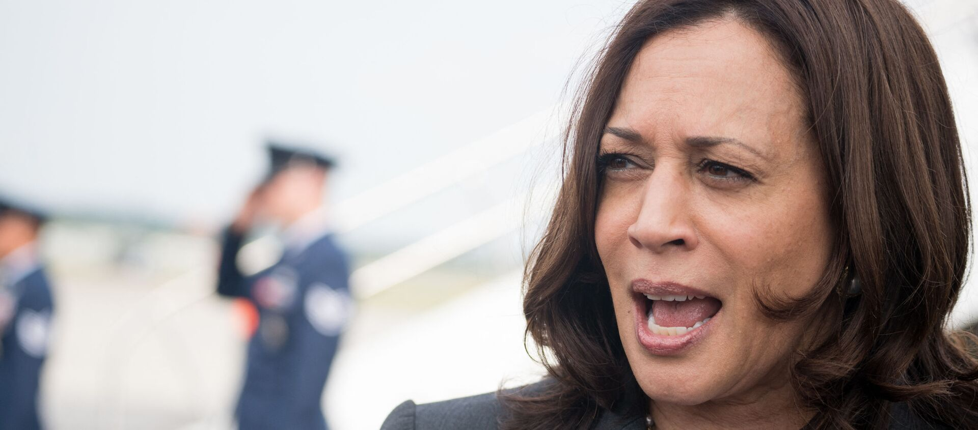 U.S. Vice President Kamala Harris speaks with the media at Hartsfield Jackson International Airport before boarding Air Force Two back to Washington DC on June 18, 2021 in Atlanta, Georgia. Vice President Harris is visiting Atlanta as part of a nationwide tour to encourage Americans to get vaccinated.  - Sputnik International, 1920, 23.06.2021