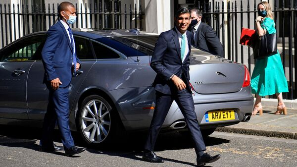 Chancellor of the Exchequer Rishi Sunak arrives at 10 Downing Street in London - Sputnik International