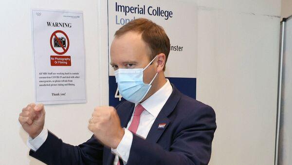 Britain's Health Secretary Hancock visits Chelsea & Westminster hospital in London - Sputnik International