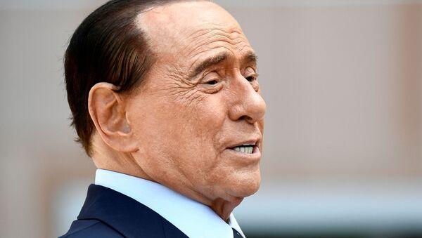 Former Italian Prime Minister Silvio Berlusconi speaks to the media as he leaves San Raffaele hospital in Milan, Italy, September 14, 2020. - Sputnik International