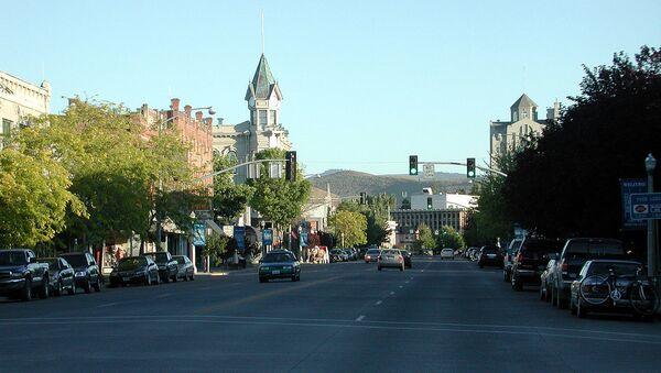 Main Street in downtown Baker City, Oregon, looking south near sundown.  - Sputnik International