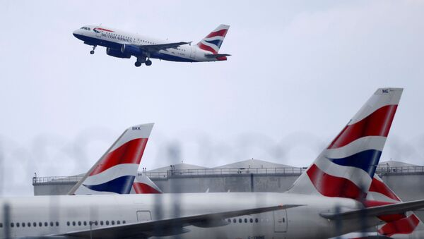 FILE PHOTO: BA Airbus A319 aircraft takes off from Heathrow Airport in London - Sputnik International