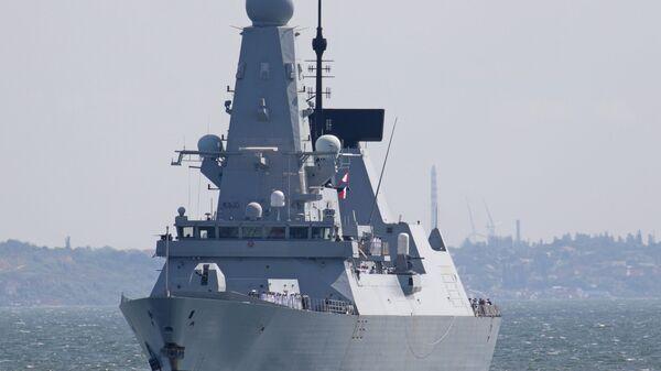 British Royal Navy's Type 45 destroyer HMS Defender arrives at the Black Sea port of Odessa, Ukraine June 18, 2021. - Sputnik International