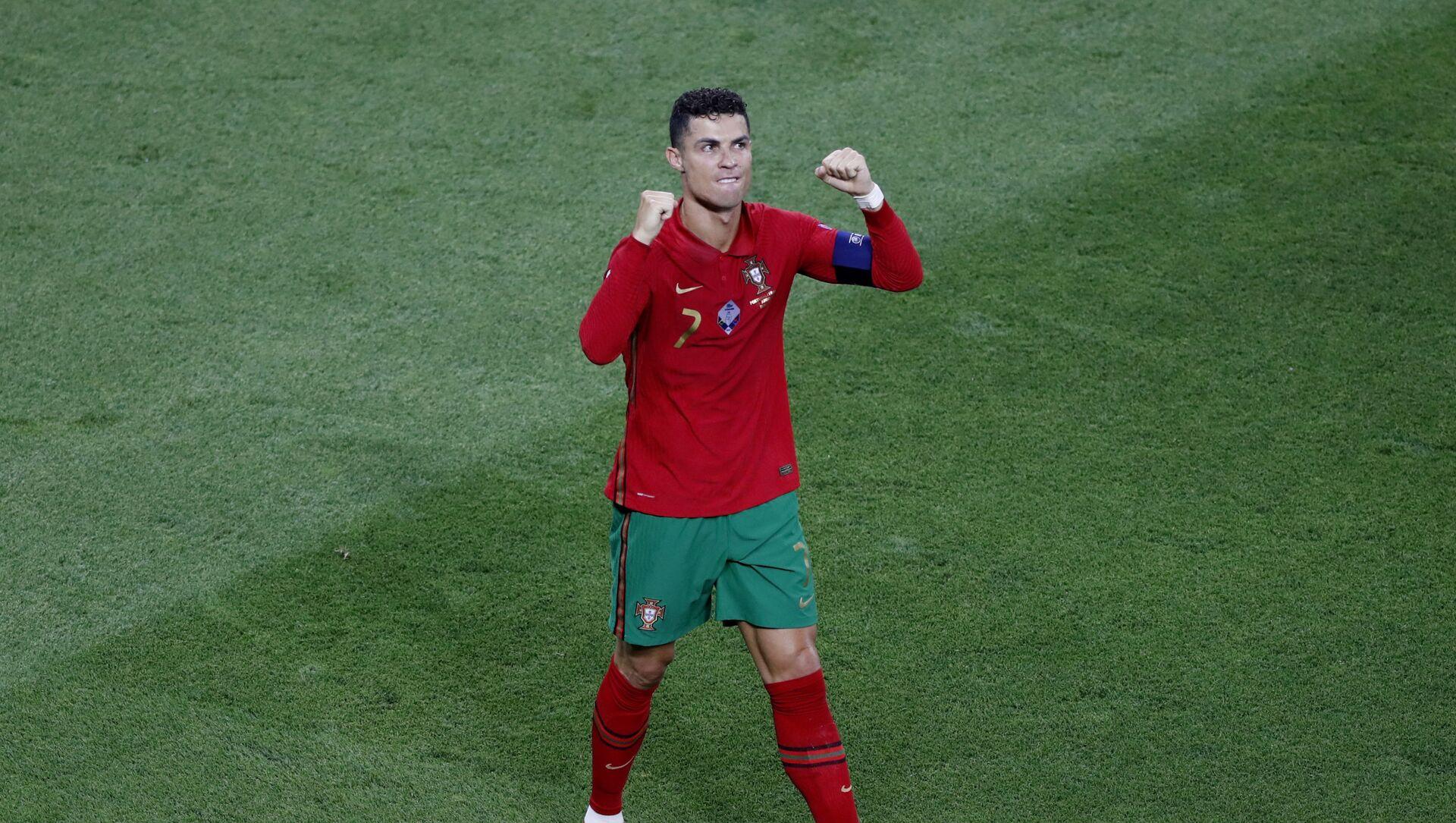 Soccer Football - Euro 2020 - Group F - Portugal v France - Puskas Arena, Budapest, Hungary - June 23, 2021 Portugal's Cristiano Ronaldo celebrates scoring their first goal  - Sputnik International, 1920, 03.08.2021