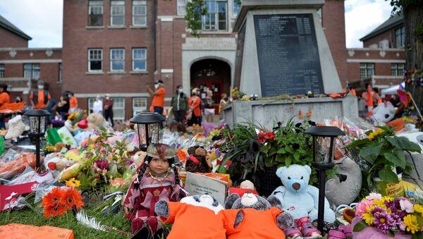 A memorial on the grounds of the former Kamloops Indian Residential School is seen in Kamloops, British Columbia, Canada, 5 June 2021 - Sputnik International