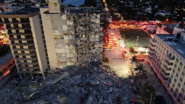 A building that partially collapsed is seen in Miami Beach, Florida, U.S., June 24, 2021. Miami-Dade Fire Rescue/Handout via REUTERS  THIS IMAGE HAS BEEN SUPPLIED BY A THIRD PARTY. - Sputnik International