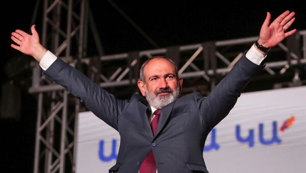 Armenia's acting Prime Minister and leader of Civil Contract party Nikol Pashinyan attends a rally after snap parliamentary election in Yerevan, Armenia June 21, 2021. - Sputnik International