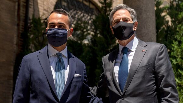 U.S. Secretary of State Antony Blinken meets with Italy's Foreign Minister Luigi Di Maio, left, at Villa Taverna, the U.S. Ambassador's Residence, during Blinken's week-long Europe trip, in Rome, Italy June 27, 2021. - Sputnik International
