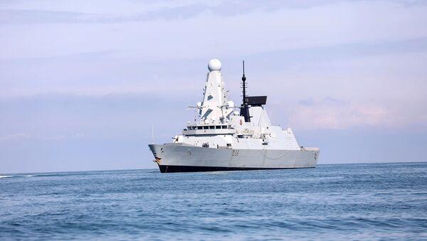 The British Royal Navy warship HMS Defender approaches the Black Sea port of Batumi, Georgia, June 26, 2021 - Sputnik International