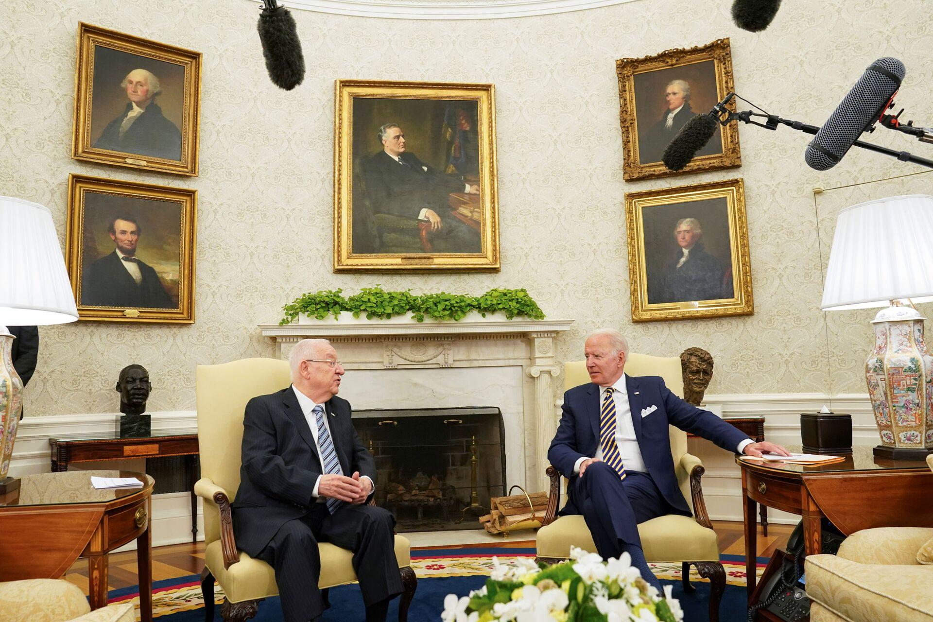 U.S. President Joe Biden meets with Israel's President Reuven Rivlin at the White House in Washington, U.S. June 28, 2021 - Sputnik International, 1920, 07.09.2021