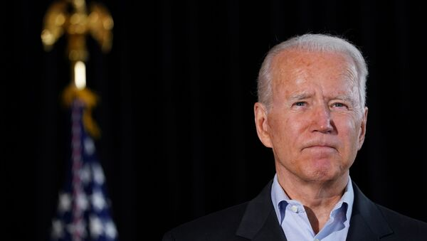 U.S. President Joe Biden gestures as he delivers remarks after speaking to family members whose loved ones died or are missing after the building collapse in Surfside in Miami, Florida U.S., July 1, 2021 - Sputnik International