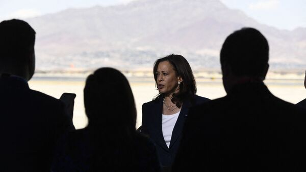 US Vice President Kamala Harris speaks during a press conference at El Paso International Airport, on June 25, 2021 in El Paso, Texas. - Vice President Kamala Harris on Friday, visited a Customs and Border Protection processing facility, and met with advocates and NGOs. - Sputnik International