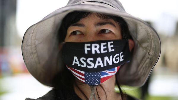 Пикник по случаю 50-летия основателя Wikileaks Джулиана Ассанжа на Парламентской площади в Лондоне, Великобритания - Sputnik International