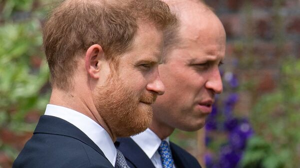 Britain's Prince William, The Duke of Cambridge, and Prince Harry, Duke of Sussex, attend the unveiling of a statue they commissioned of their mother Diana, Princess of Wales, in the Sunken Garden at Kensington Palace, London, Britain July 1, 2021 - Sputnik International