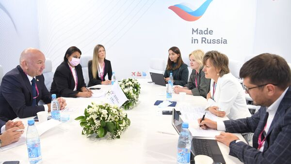 Veronika Nikishina, chief executive officer of the Russian Export Centre JSC (REC), held a working meeting with Nenad Popovic, Serbia's minister of innovation and technological development - Sputnik International