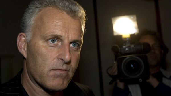 In this Thursday Jan. 31, 2008 file photo, Dutch crime reporter Peter R. de Vries reacts prior to attending a live TV show in Amsterdam, Netherlands. - Sputnik International