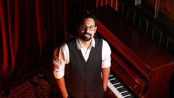 Arjun Sagar Gupta,accomplished pianist and founder ofThe Piano Man Jazz Club in India. - Sputnik International