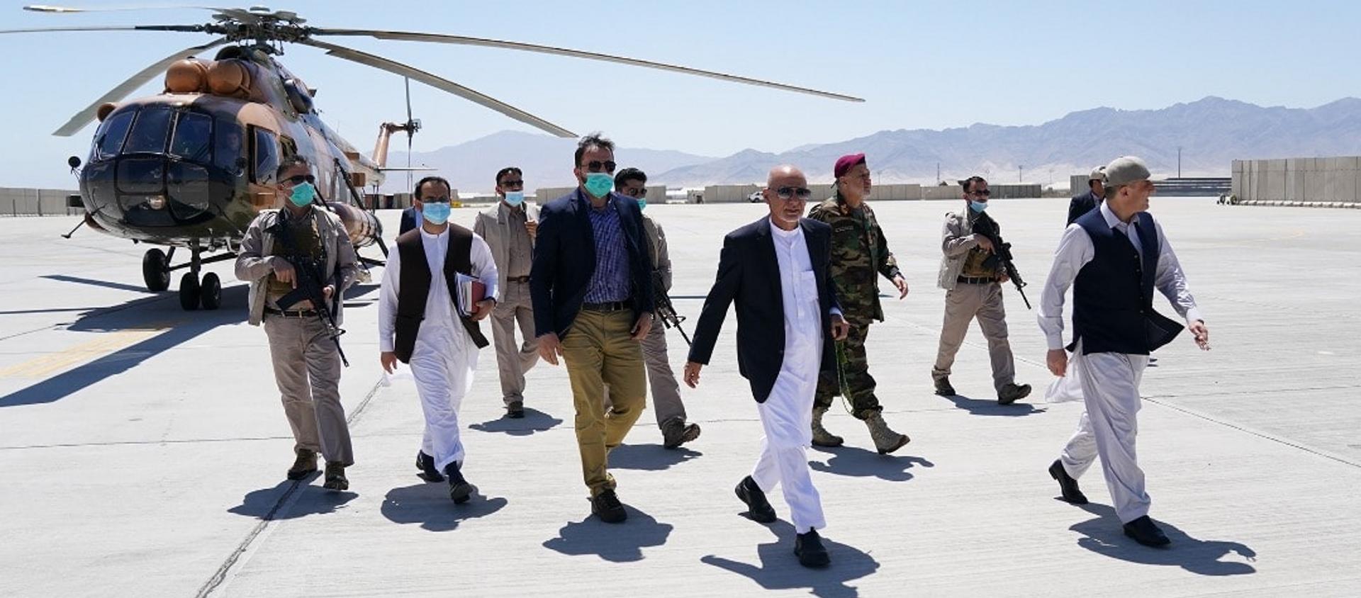 Afghan President Ashraf Ghani and others visit Bagram Airbase, 9 July, 2021. - Sputnik International, 1920