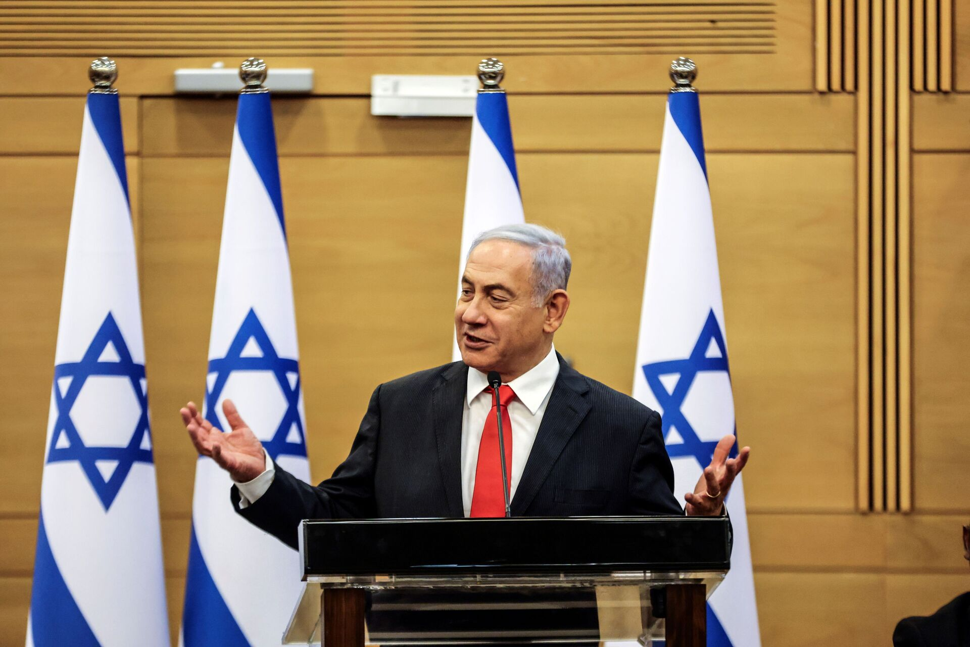 Leader of Israeli Opposition Benjamin Netanyahu speaks during a meeting with his Likud party in the Knesset, the Israeli parliament, in Jerusalem June 14, 2021.  - Sputnik International, 1920, 07.09.2021