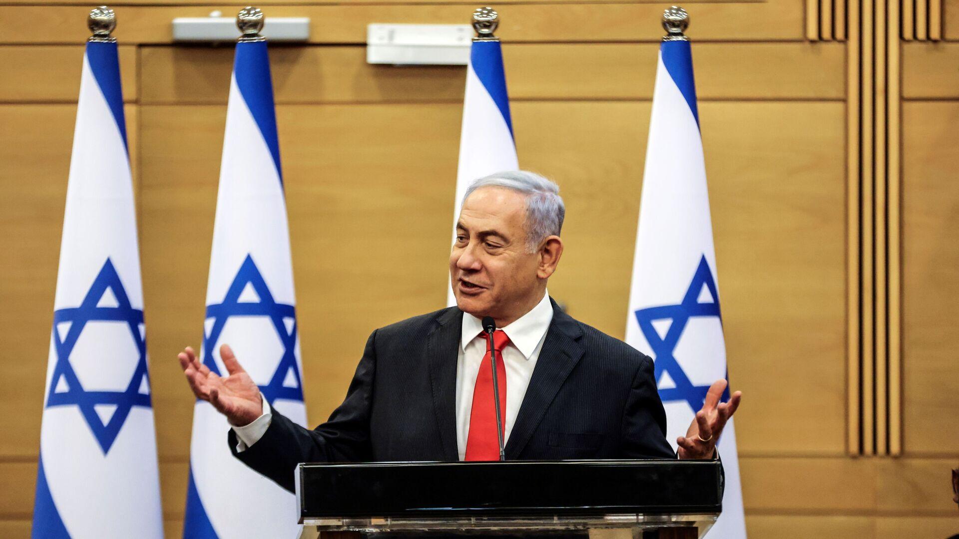 Leader of Israeli Opposition Benjamin Netanyahu speaks during a meeting with his Likud party in the Knesset, the Israeli parliament, in Jerusalem June 14, 2021.  - Sputnik International, 1920, 20.09.2021