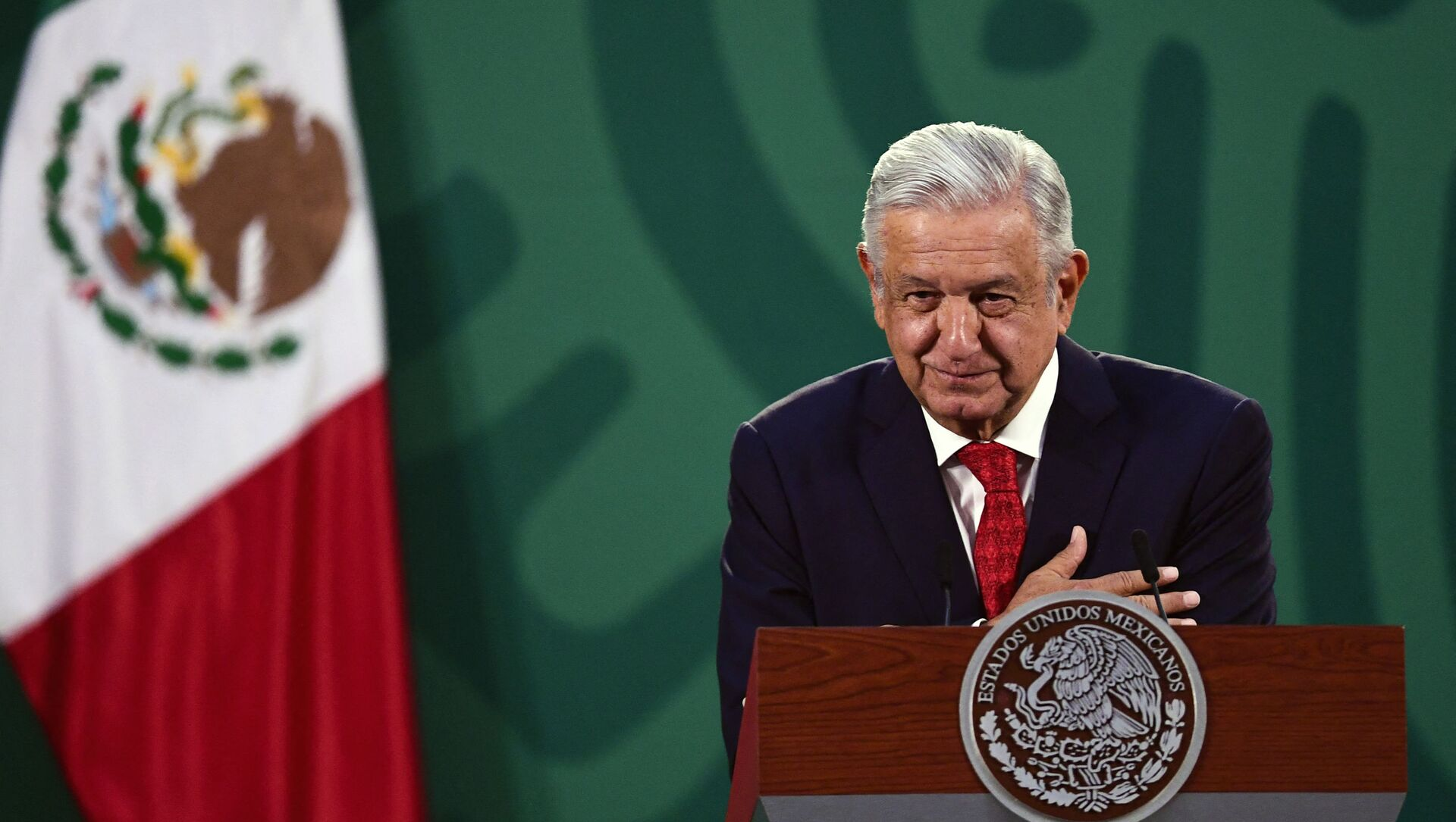 Mexican President Andres Manuel Lopez Obrador delivers a speech during the virtual Earth Day Summit, at the National Palace in Mexico City, on April 22, 2021 - Sputnik International, 1920, 31.07.2021