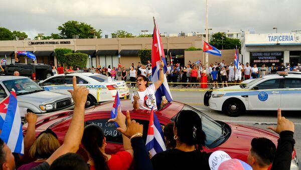 FILE PHOTO: People rally in solidarity with protesters in Cuba, in Little Havana neighborhood in Miami, Florida, U.S. July 12, 2021.    - Sputnik International