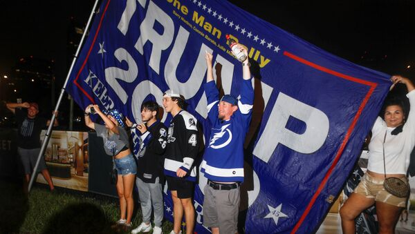 Fans celebrate after the Tampa Bay Lightning ice hockey team won the NHL Stanley Cup Finals over the Montreal Canadiens, in Tampa - Sputnik International