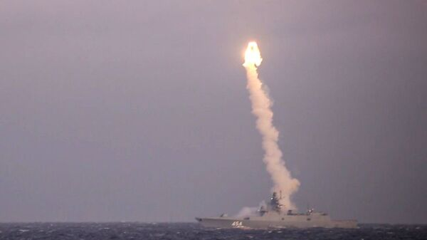 Test firing of a Zircon hypersonic cruise missile from the Admiral of the Soviet Union Fleet Gorshkov frigate from the White Sea at a coastal target located at the Chizha training ground in the Arkhangelsk Region. - Sputnik International