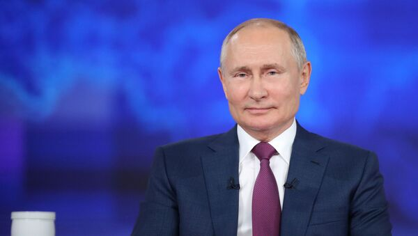 Russian President Vladimir Putin takes part in an annual nationwide televised phone-in show in Moscow, Russia June 30, 2021. - Sputnik International