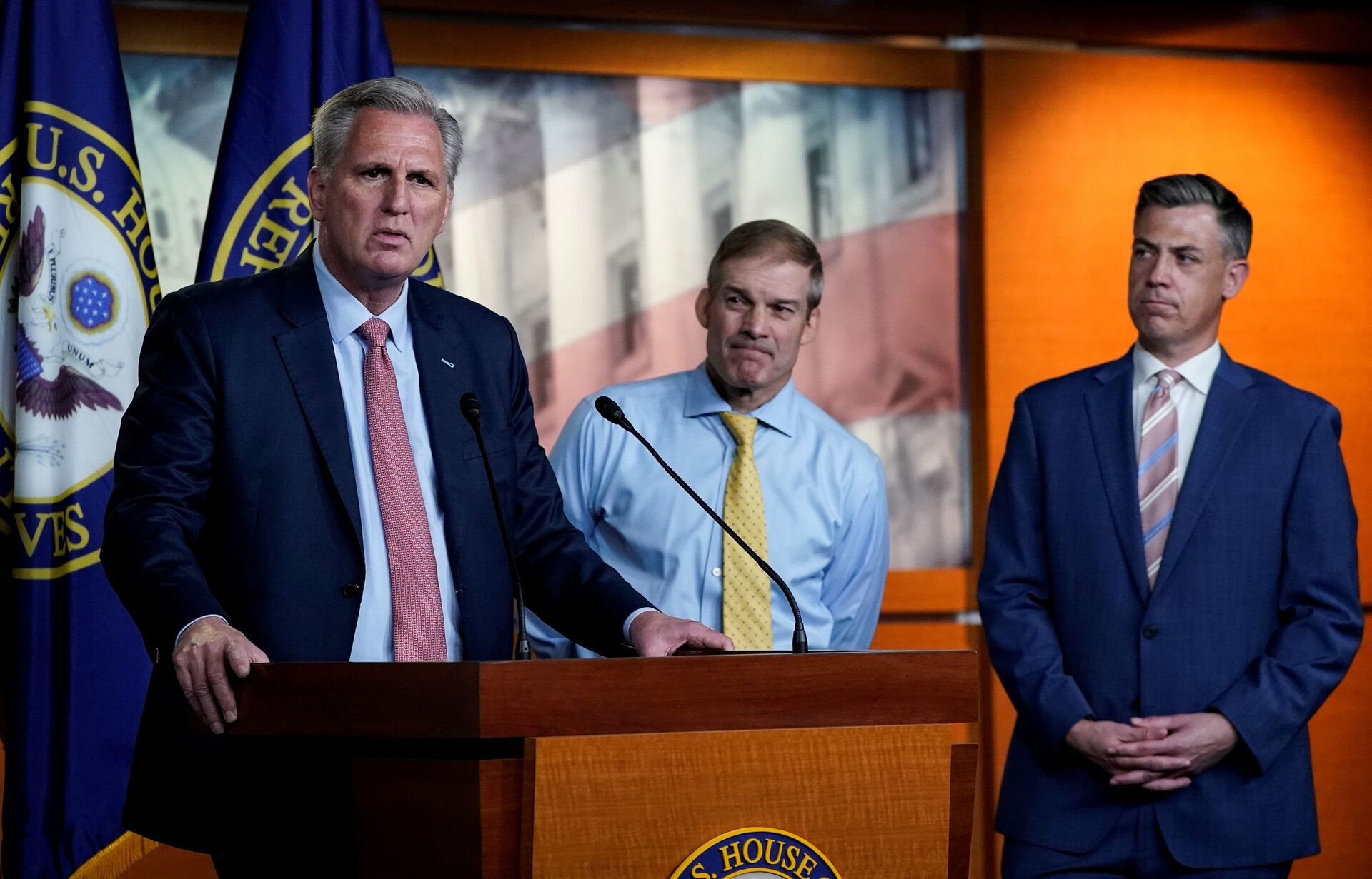 U.S. House Minority Leader Kevin McCarthy (R-CA) announces the withdrawal of his nominees to serve on the special committee probing the Jan. 6 attack on the Capitol, as two of the Republican nominees, Reps' Jim Jordan (R-OH) and Jim Banks (R-IN), standby during a news conference on Capitol Hill in Washington, U.S., July 21, 2021 - Sputnik International, 1920, 07.09.2021