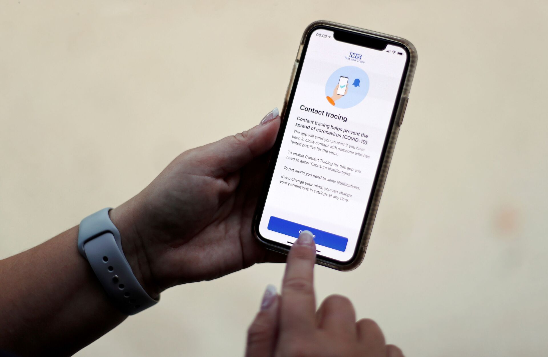 FILE PHOTO: The coronavirus disease (COVID-19) contact tracing smartphone app of Britain's National Health Service (NHS) is displayed on an iPhone in this illustration photograph taken in Keele, Britain, September 24, 2020.  - Sputnik International, 1920, 07.09.2021