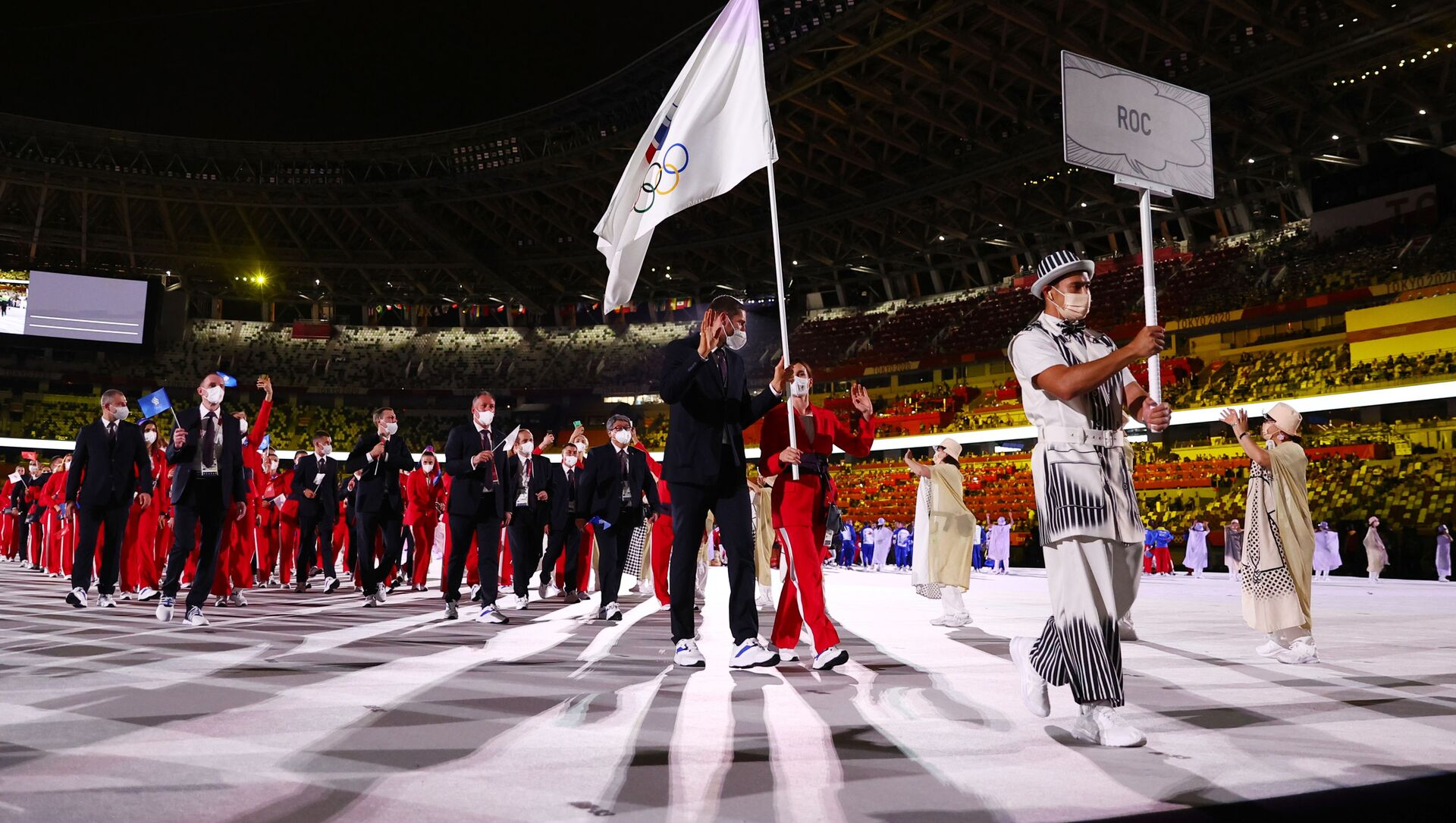 Tokyo 2020 Olympics - The Tokyo 2020 Olympics Opening Ceremony - Olympic Stadium, Tokyo, Japan - July 23, 2021. Flag bearer Sofya Velikaya of the Russian Olympic Committee leads her contingent during the athletes' parade at the opening ceremony - Sputnik International, 1920, 24.07.2021