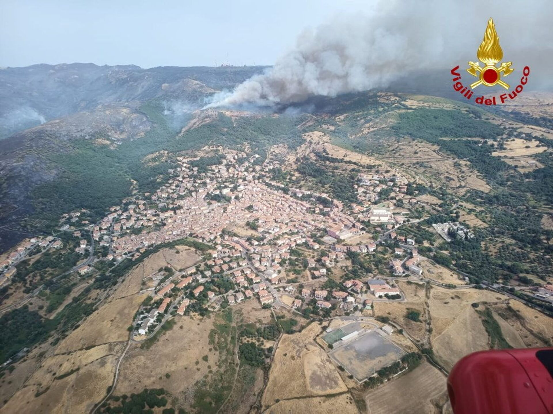 An aerial view from a helicopter shows a large wildfire that broke out near Santu Lussurgiu, Sardinia, Italy July 25, 2021. - Sputnik International, 1920, 07.09.2021
