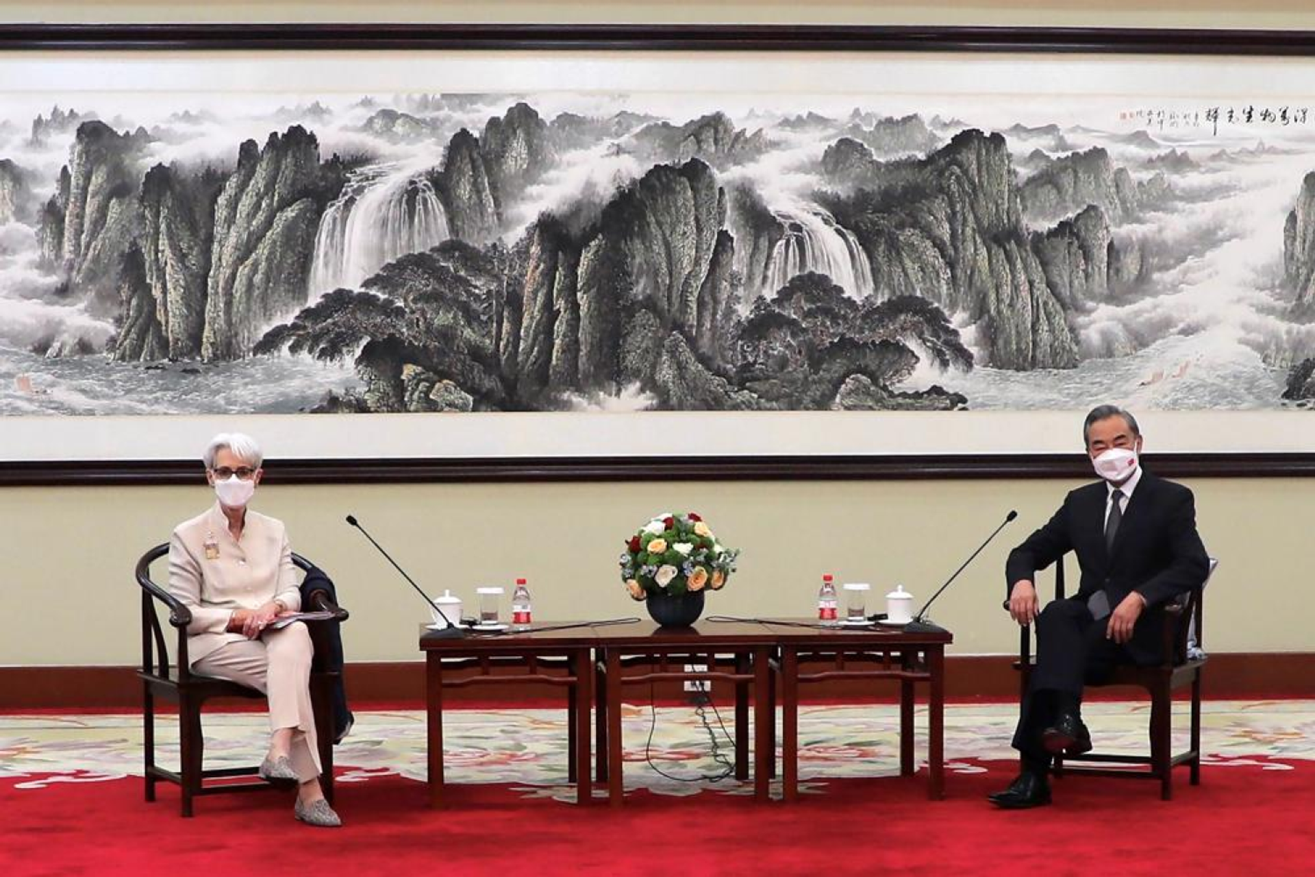In this photo provided by the U.S. Department of State, U.S. Deputy Secretary of State Wendy Sherman, left, and Chinese Foreign Minister Wang Yi sit together in Tianjin, China, Monday, July 26, 2021. - Sputnik International, 1920, 07.09.2021