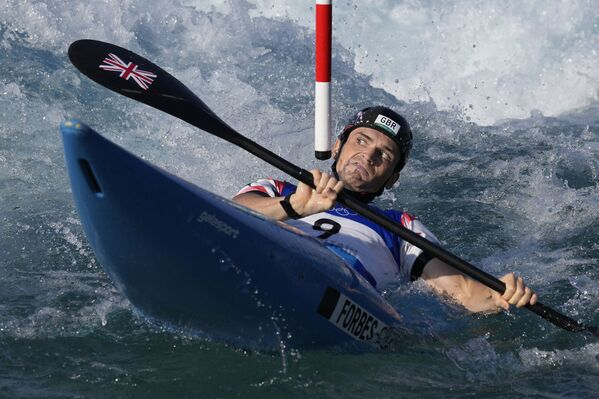 Bradley Forbes-Cryans of Great Britain competes in the men's K1 heats of the Canoe Slalom at the 2020 Summer Olympics in Tokyo, Japan.  - Sputnik International