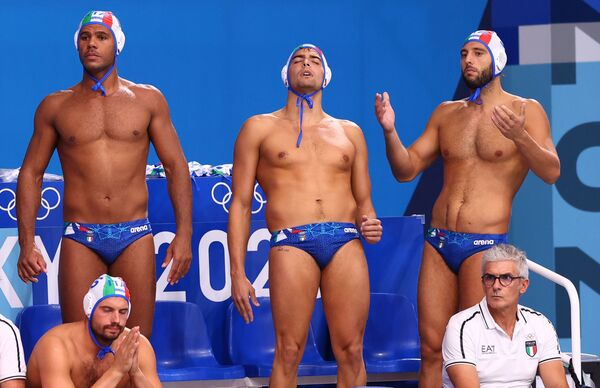 Italian water polo team members during their match vs Greece at the Tokyo 2020 Olympics. - Sputnik International