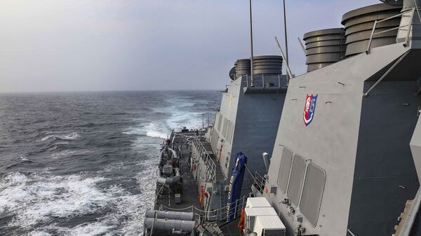 The Arleigh Burke-class guided-missile destroyer USS Benfold (DDG 65) transits the Taiwan Strait while conducting routine underway operations. - Sputnik International