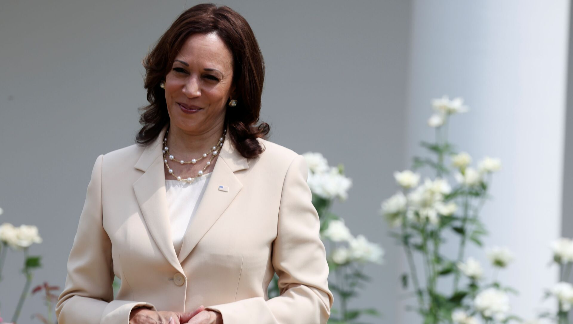U.S. Vice President Kamala Harris stands by during an event to celebrate the 31st anniversary of the Americans with Disabilities Act (ADA) in the White House Rose Garden in Washington, U.S., July 26, 2021 - Sputnik International, 1920, 31.07.2021