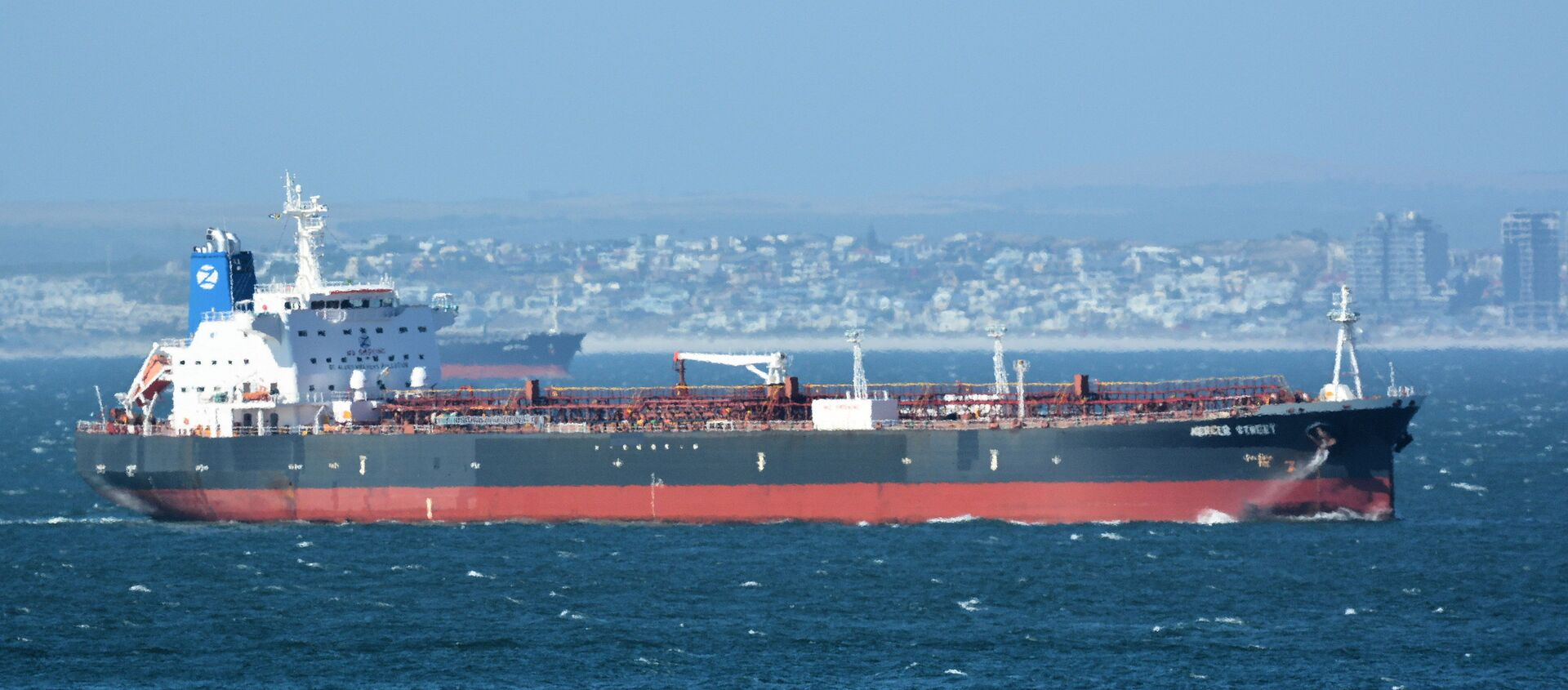 The Mercer Street, a Japanese-owned Liberian-flagged tanker managed by Israeli-owned Zodiac Maritime that was attacked off Oman coast as seen in Cape Town, South Africa, December 31, 2015  in this picture obtained from ship tracker website, MarineTraffic.com. Picture taken December 31, 2015.  Johan Victor/Handout via REUTERS THIS IMAGE HAS BEEN SUPPLIED BY A THIRD PARTY. MANDATORY CREDIT. NO RESALES. NO ARCHIVES. - Sputnik International, 1920, 04.08.2021