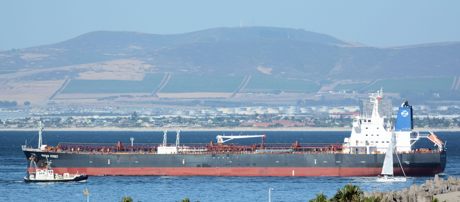 The Mercer Street, a Japanese-owned Liberian-flagged tanker managed by Israeli-owned Zodiac Maritime that was attacked off Oman coast as seen in Cape Town, South Africa, January 2, 2016 in this picture obtained from ship tracker website, MarineTraffic.com. Picture taken January 2, 2016.  Johan Victor/Handout via REUTERS THIS IMAGE HAS BEEN SUPPLIED BY A THIRD PARTY. MANDATORY CREDIT. NO RESALES. NO ARCHIVES. - Sputnik International, 1920, 03.08.2021