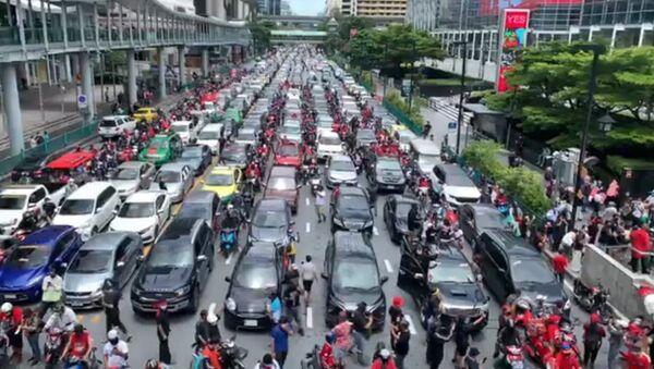Car Protest Staged in Bangkok Over Gov't Handling of COVID-19 - Sputnik International