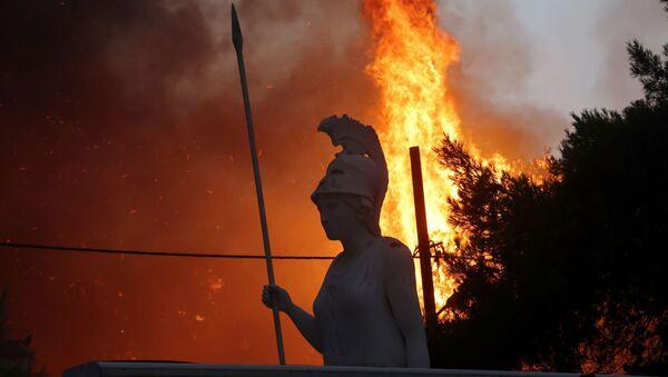 Wildfires Approach Athens Amid Record Heat Wave - Sputnik International